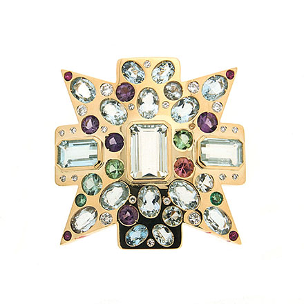 How to Wear Your Brooch Creatively