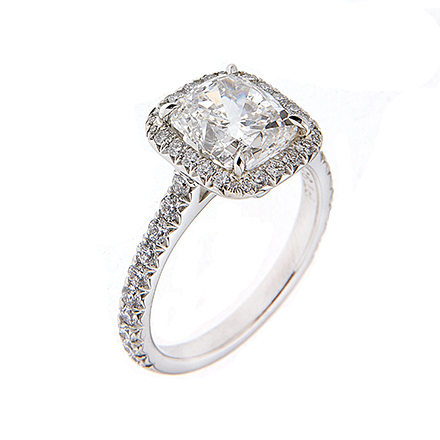 Cushion Cut Diamonds- An Elegant Addition to Jewelry