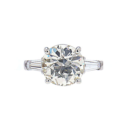 What Makes a Ring Pretty - Cut draws out a diamond's full beauty