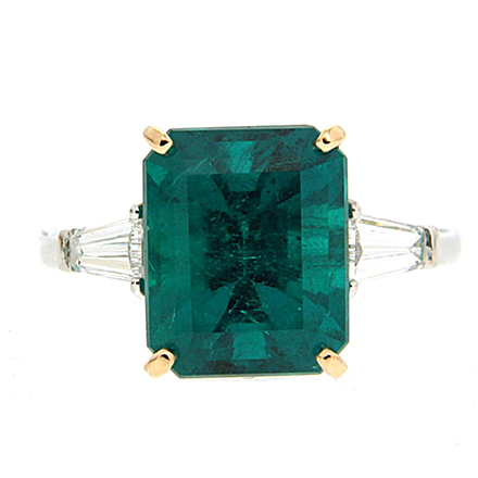 Some Styles in Emerald Engagement Rings