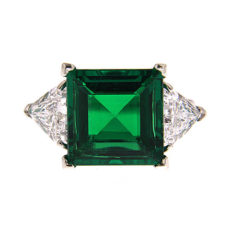 Emerald Ring with Triangle Side Diamonds
